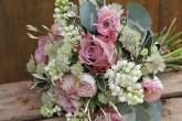 新娘手捧花有那些颜色可以选择?