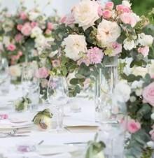 举办一张鲜花主题婚礼需要注意什么?