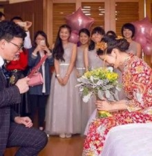 邀请别人参加婚礼的微信词语怎么说?